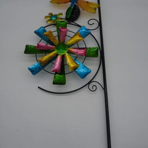 Solar Animal Wall Spinner with Stake by Ultimate Innovations